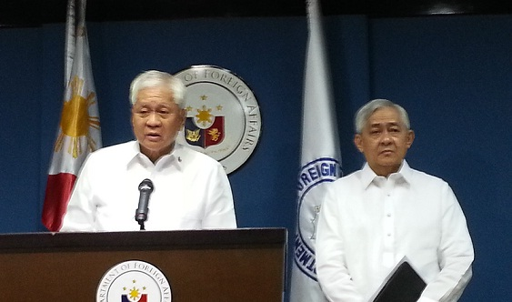 Foreign Secretary Albert del Rosario and Solicitor General Francis Jardeleza.