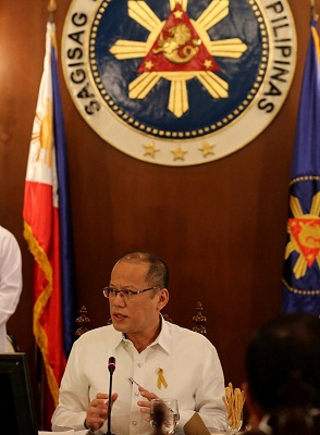 Aquino stands by Secretary Butch Abad.