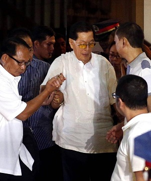 Sen. Juan Ponce-Enrile surrenders. From Yahoo.ph