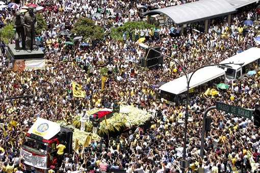 The outpouring of grief that catapulted Noynoy Aquino to the presidency.