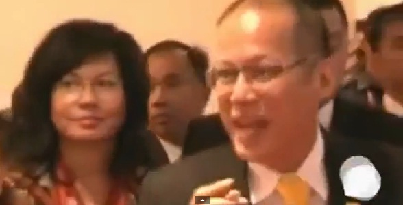 Aquino being asked by HK journalists on Rizal Park hostage taking. APEC 2013, Bali, Indonesia.